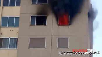 Incendio a Castel Maggiore: fiamme in palazzina, evacuati 12 appartamenti   VIDEO - BolognaToday