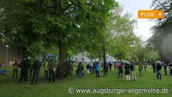 Rund 500 Menschen bei Krumbacher Demo gegen Corona-Beschränkungen - Augsburger Allgemeine