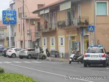 Loano, principio d'incendio ai danni di un'auto: intervento dei vigili del fuoco - SavonaNews.it