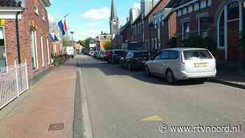 Kloosterburen massaal in de file voor broodje Willi - RTV Noord