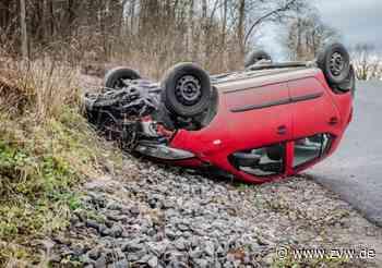Burgstall / Affalterbach: Pkw überschlägt sich: Fahrer unverletzt - Zeitungsverlag Waiblingen - Zeitungsverlag Waiblingen