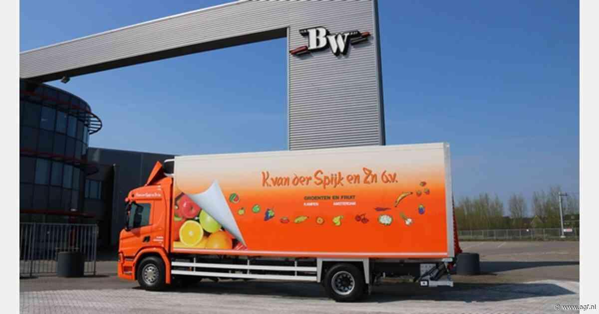 Nieuwe SOR koelbak voor K. van der Spijk en Zn Recent leverde Wezenberg Trailers uit IJsselmuiden - AGF.nl