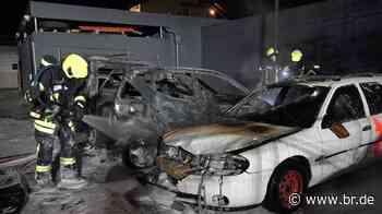 Drei Autos brennen auf Feuerwehrgelände in Kleinostheim - BR24