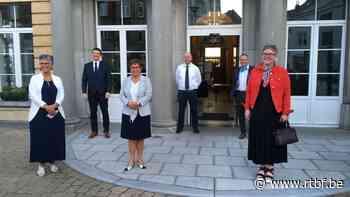 Michelle Mons Delle Roche a prêté serment comme Bourgmestre de Neufchateau - RTBF