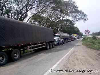 Reportan bloqueo de la vía que conduce a Nueva Granada - El Informador - Santa Marta