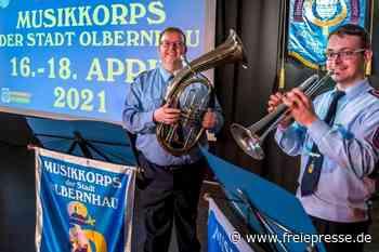 Ein Ständchen zum 70. Geburtstag vom Musikkorps Olbernhau - Freie Presse