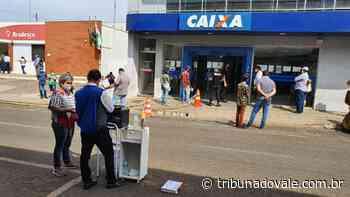 Siqueira Campos fiscaliza e organiza filas nos bancos - Tribuna do Vale
