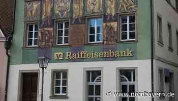 Mit Gesichtsschutz in der Raiffeisenbank - Nordbayern.de