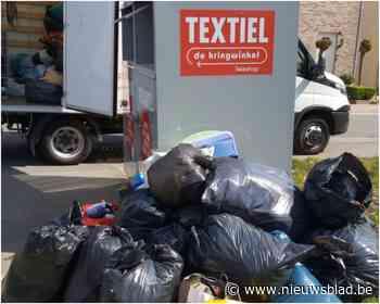 Textielcontainers kunnen toevloed aan kledij niet aan (Galmaarden) - Het Nieuwsblad