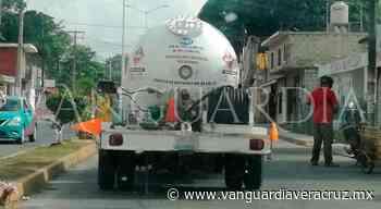 Denuncian a pipas por no dar el peso completo en Naranjos - Vanguardia de Veracruz