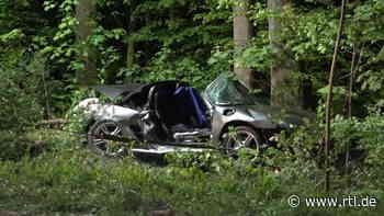 Unfall auf kurvenreicher Landstraße in Mosbach: Porsche kracht gegen Baum - zwei Tote - RTL Online