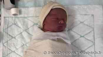 Prénom : Raphaël, lieu de naissance : la caserne des pompiers de Genas, près de Lyon - France 3 Régions