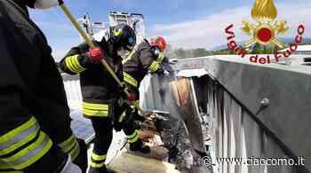 Tetto del capannone in fiamme per un corto circuito: a Guanzate i vigili del fuoco - CiaoComo.it