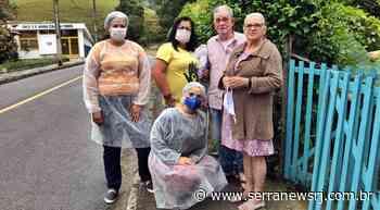 Profissionais de saúde entregam máscaras em Cantagalo - Serra News