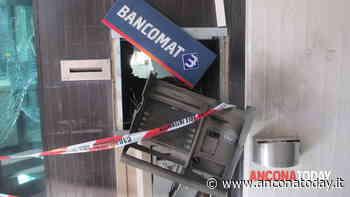 Telecamere oscurate, auto di traverso, poi il boato: l'assalto in banca è un thriller - AnconaToday