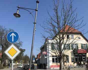 Fahrerflucht: Laterne in Bad Saarow seit Ende Februar schief - Märkische Onlinezeitung