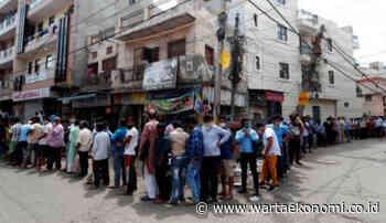 Lockdown Dilonggarkan, Warga New Delhi Justru Antre Beli Miras - WartaEkonomi.co.id