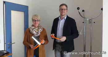 Firma Elm Plastic in Dudeldorf verschenkt Schutzmasken - Trierischer Volksfreund