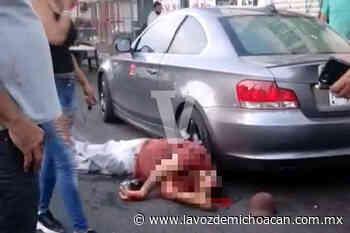 Hombre es asesinado en la avenida Guadalupe Victoria; uno de los agresores fue abatido - La Voz de Michoacán