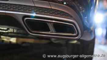 Teurer Sportwagen landet bei Attenhofen im Straßengraben - Augsburger Allgemeine