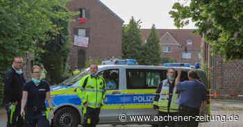 Im Tagebaudorf Erkelenz-Lützerath besetzen Braunkohlegegner ein Haus - Aachener Zeitung