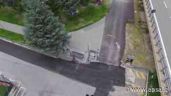 Controlli carabinieri con drone all'area verde di Gressan - Valle d'Aosta - Agenzia ANSA