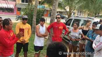 Surfistas y salvavidas reparten despensas en Puerto Escondido - NVI Noticias