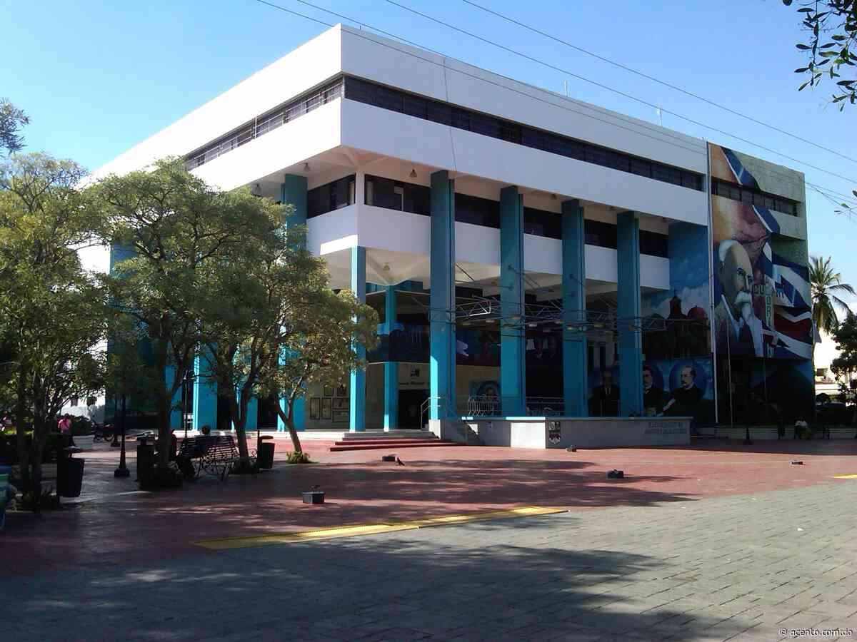 Alcalde de Baní denuncia presunto déficit de casi 32 millones de pesos - Acento