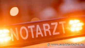 82-Jährige fährt gegen Hauswand und wird schwer verletzt - Süddeutsche Zeitung