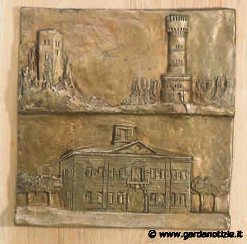 Chiesa San Francesco Colombare Sirmione - La porta bronzea - Garda Notizie