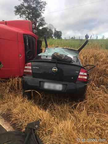 Motorista de carro morre em acidente com caminhão em Pilar do Sul - G1