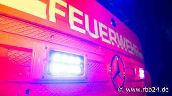 Feuerwehr löscht Großbrand in Lauchhammer - rbb-online.de