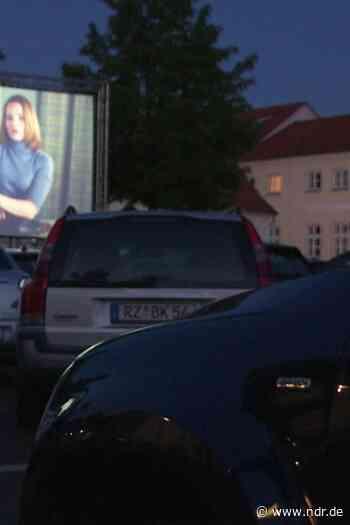 Autokino-Premiere in Ratzeburg - NDR.de