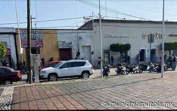 Elektra de Huejotzingo no cumple sana distancia en entrega de Créditos a la Palabra - Municipios Puebla