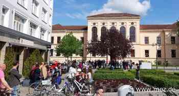 Corona-Krise: Corona-Protest in Fürstenwalde und Bad Saarow - Märkische Onlinezeitung