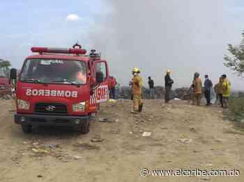 Fuego afecta vertedero de Baitoa - El Caribe