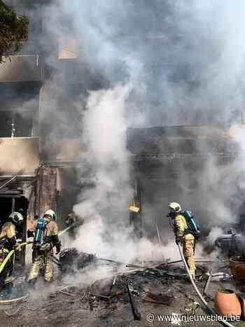 Bewoonster loopt zware brandwonden op; twee appartementen onbewoonbaar