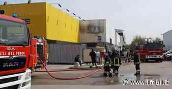 Codroipo, incendio nel magazzino Bricofer - Il Friuli