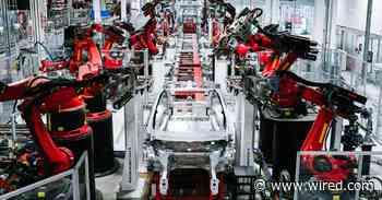 Elon Musk Defies Lockdown Orders and Reopens Tesla's Factory