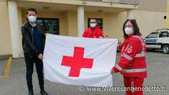 Monteprandone: consegnata la bandiera della Croce Rossa al Sindaco - Vivere San Benedetto