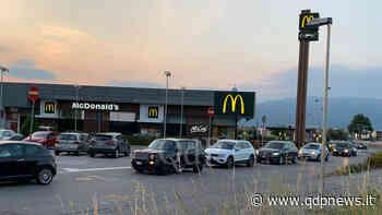 """Cornuda, al McDonald lunghe code per il McDrive: registrato il """"tutto esaurito"""" con attese che sfiorano i 45 minuti - Qdpnews.it - notizie online dell'Alta Marca Trevigiana"""