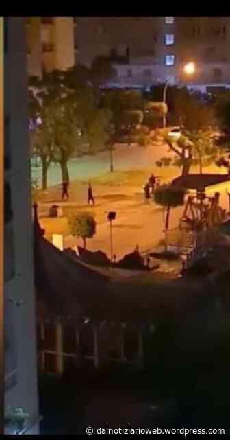 VILLARICCA Partitella di calcio in notturna in strada in piena emergenza - settimanale Centonove