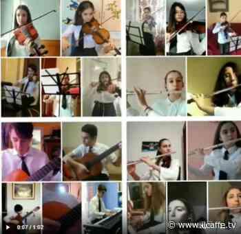 Gli studenti del Volterra di Ariccia suonano insieme i Beatles... ma a distanza - Il Caffè.tv