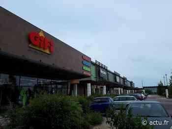 Yvelines. Aubergenville : les centres commerciaux Marques Avenue et Family Village ont rouvert - actu.fr