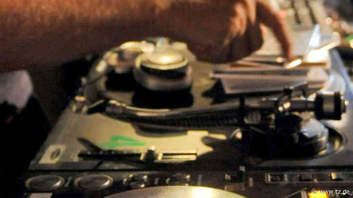 DJ Star und deutsche Musik-Legende tot (52) - Er galt als Pionier   Stars - op-online.de