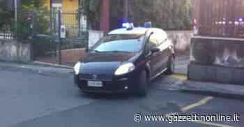 Giarre, tenta di disfarsi di un involucro con all'interno droga: arrestato - Gazzettinonline