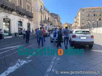 Giarre, lavoratori autolinee Buda Sag bloccano il traffico in via Callipoli VIDEO - Gazzettinonline