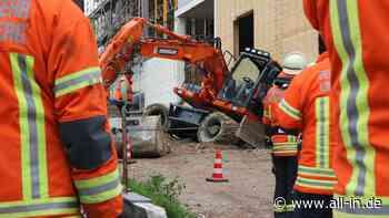 Bauarbeiten: 17-Tonnen-Bagger rutscht in Lindenberg ab - all-in.de - Das Allgäu Online!