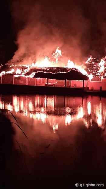 Incêndio atinge pesqueiro em rodovia de Jarinu - G1