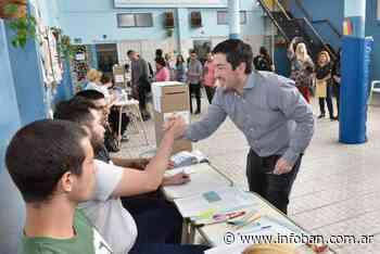 Leo Nardini emitió su voto en Grand Bourg - InfoBan